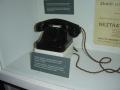 Telefon, který měl instalovan v hotelu Alcron lord Walter Runciman