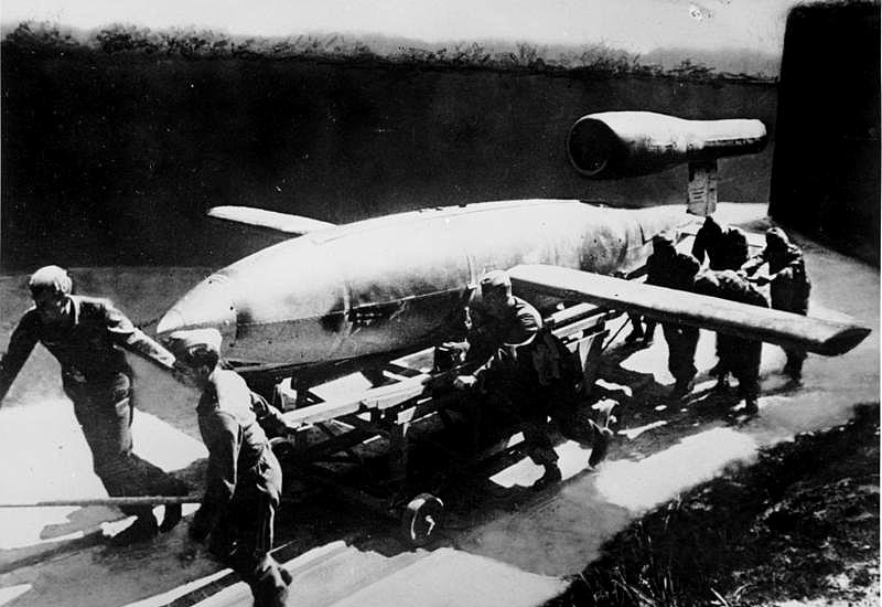 Marschflugkörper V1 vor Start