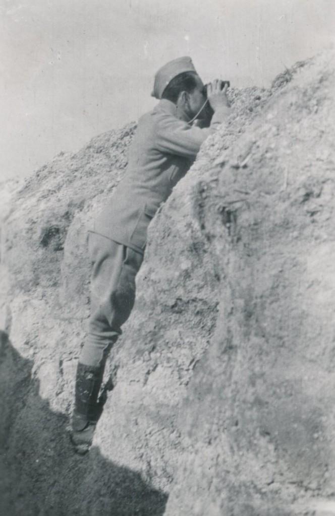 """Poručík Ing. Václav Dostál, velitel kulometné čety roty """"Nazdar"""". Padl 9. května 1915 u Arrasu."""